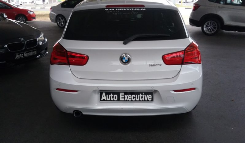 BMW 120i SPORT LINE AUTO 2015 FOR SALE IN WESTERN CAPE full