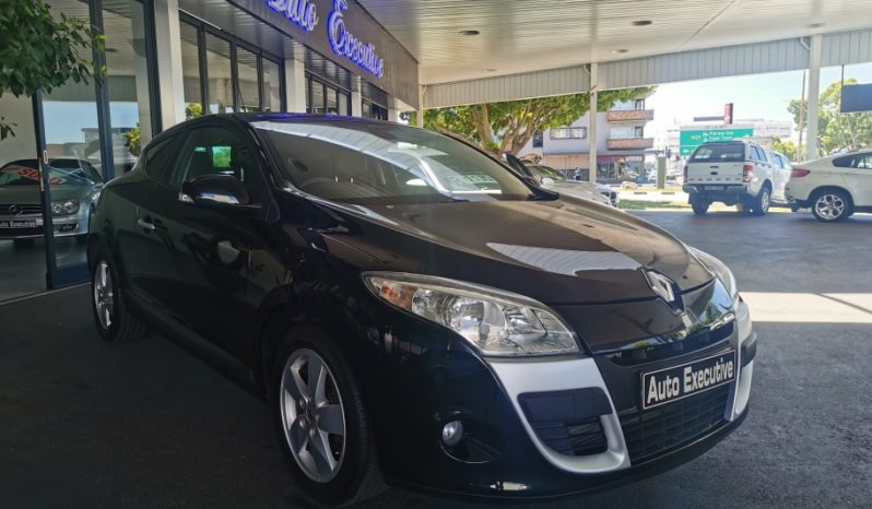 2011 Renault Megane III 1.4T Dynamique Coupe full