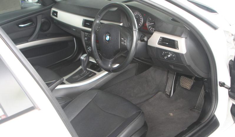 2012 BMW 320i Auto (E90) full
